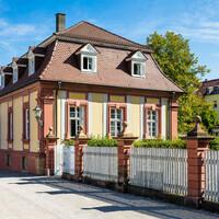 Schloss Bruchsal - Mundkochwohnung - Von Außen / Von Südwest - Blick vom Westende des Kammerflügels auf die Mundkochwohnung (aufgenommen im September 2018, am späten Vormittag)