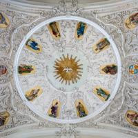 Bruchsal - Peterskirche / St. Peter - Von Innen / Von Unten - Zentraler Blick in die Kuppel über der Vierung (unten ist Süden / der Chor) (Gemälde geschaffen von Josef Mariano Kitschker, 1907 bis 1908) (aufgenommen im Juni 2019, am frühen Nachmittag)