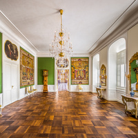 Schloss Bruchsal - Hauptbau / Corps de Logis - Von innen - Beletage - Jagdzimmer - Von Norden - Blick vom Durchgang zum Musikzimmer nach Süden in das Jagdzimmer und in den Marmorsaal (aufgenommen im Oktober 2020, am frühen Nachmittag)