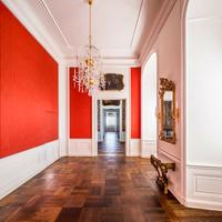 Schloss Bruchsal - Hauptbau / Corps de Logis - Von innen - Beletage - Watteau-Kabinett - Blick vom Grünen Zimmer nach Osten in das (spärlich möblierte) Watteau-Kabinett, das Garderobenzimmer, das Pagenzimmer und das Blaue Zimmer (aufgenommen im November 2020, um die Mittagszeit)